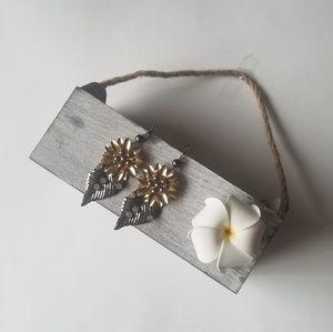 Jewelry - FLORAL LEAF DROP EARRINGS